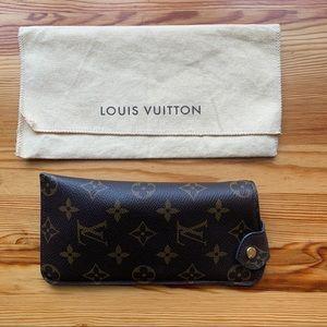 Louis Vuitton Etui Lunettes Mono Sunglass Case MM